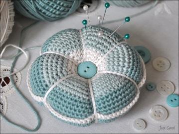 CrochetPincushion_3.jpg