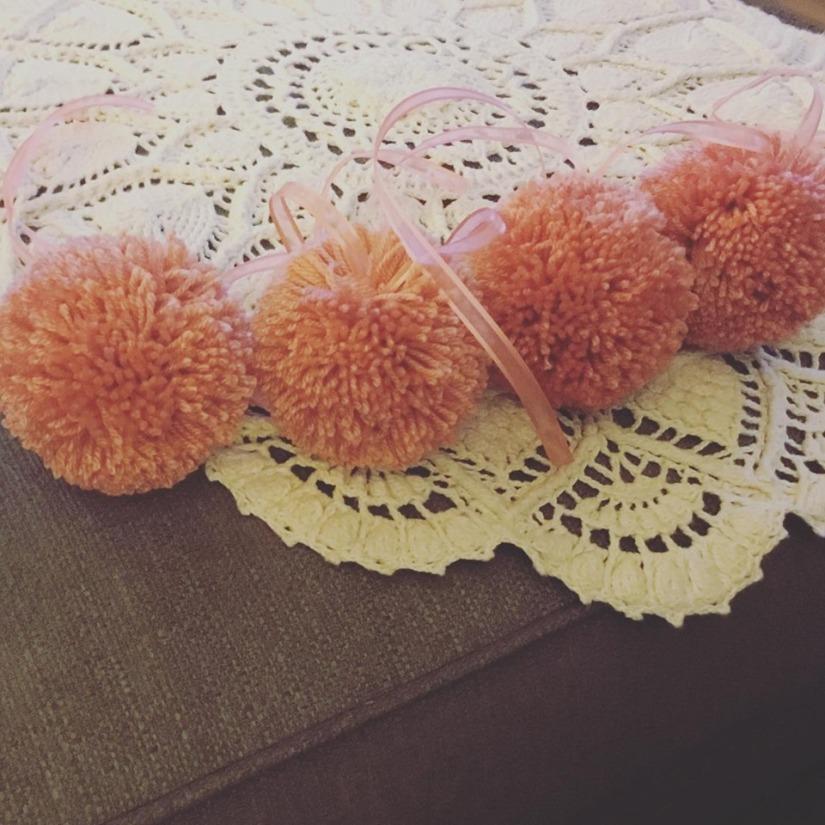 peaches pom 1